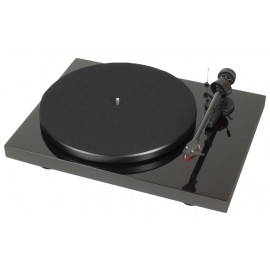Pro-Ject DEBUT CARBON PHONO USB (OM10) Piano
